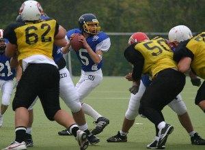 Die Offense Line von Hessen Pride verschaffte ihrem Quarterback Marius Markgraf den notwendigen Schutz.  (c) AFV Hessen