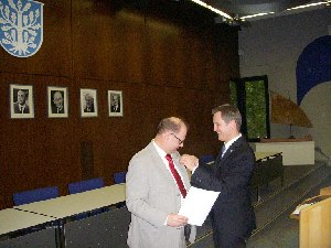 Landesehrenbrief Thomas Meyer (links: Thomas Meyer, rechts: Stadtrat Dr. Felix Schwenke)  (c) AFVD